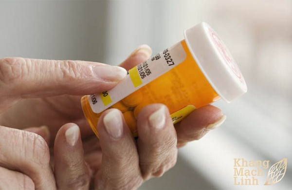 Điều trị viêm mao mạch bằng thuốc corticosteroid có ưu, nhược điểm gì?